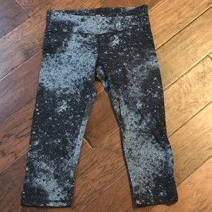 Old Navy Active Fitted M Capris